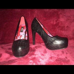 Black sugar skull heels